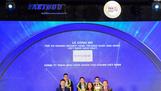 Đại diện Chubb Life Việt Nam nhận Giải thưởng ngày 27-4