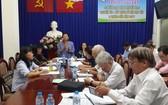 李金梅主席在會上介紹勵學會活動。(圖源:海韻)