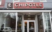 圖為墨西哥餐廳Chipotle,是一名帶病上班的員工引起的。(圖源: AFP)