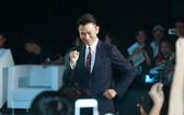 劉德華傷後首度公開亮相現場活蹦亂跳對媒體粉絲提問一一回答。(圖源:Sina)