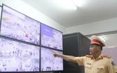 交警通過攝像系統跟進交通情況。(圖源:段強)