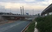 市國立大學交通樞紐工程正在施工。