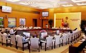 第十四屆國會常務委員會第14次會議昨(14)日下午繼續在會場工作,並對《網絡安全法》草案提意見。(圖源:阮民/越通社)
