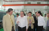 市委書記阮善仁與高新技術園區企業代表交談。(圖源:互聯網)