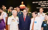 市領導與各退伍軍人會晤。