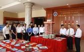 """圖為太原省圖書館與太原師範大學為大中學生舉辦""""越南的黃沙與長沙-歷史與法理憑證""""展會一隅。(圖源:太原新聞網)"""