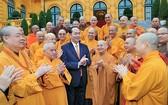 國家主席陳大光親切接見了越南佛教教會中央2017-2022年任期治事委員會、證明委員會代表團。(圖源:越通社)