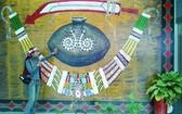 排灣與魯凱族原住民的3寶:黑陶壺、琉璃珠與青銅刀。