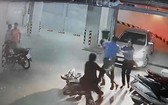 保安員打傷68歲的老人引起輿論憤怒。(圖源:視頻截圖)