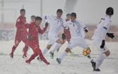 越南球員首次在雪地上比賽。(圖源:微博)