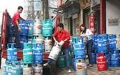 12 公斤裝瓦斯下跌 1 萬 3000 元。(示意圖源:互聯網)