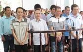 芹苴市人民法院開庭對某受賄案審判。