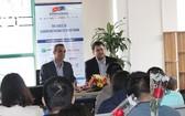 越南歐洲商會(EuroCham)代表人在新聞發佈會上公佈了越南經營環境指數(BCI)考察報告。