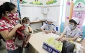 孩子生病時,在以經驗和藥物初步處理簡單症狀後,應送孩子就醫。