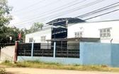 許多工廠建於居民區內。