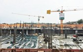 新東區車站的主站與停車區已完成打樁部分。