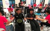 年輕人踴躍參加捐血活動。(圖源:TPO)