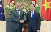 國家主席陳大光接見托尼‧史密斯議長。(圖源:顏創)