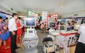 """圖為""""2017 年藥品與醫療設備""""(VIETNAM MEDIPHARM EXPO 2017)展覽會一瞥。"""