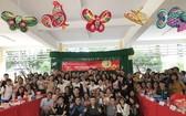 上百名學生參加中秋節專題活動。