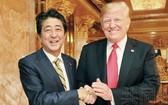 日本首相安倍晉三(左)與美國總統特朗普。(圖源:共同社)