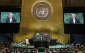 聯合國秘書長古特雷斯(中)在聯合國大會一般性辯論上發表演講。(圖源:新華網)
