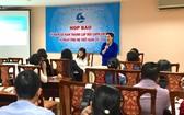 越南婦聯會副主席阮氏雪主持新聞發佈會。(圖源:月映)