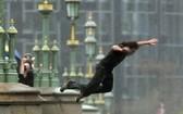 本月13日,一名中國遊客在新山一國際機場跳樓死亡。(示意圖源:互聯網)