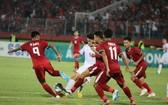 印尼(紅衣)與阿聯酋比賽一瞥。(圖源:互聯網)