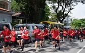 學生參加迷你馬拉松賽慶祝校慶。