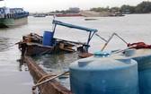 運載26噸化工原料的BTr-0266號木製小型貨船沉沒現場。(圖源:平安)