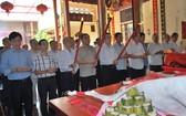 市民族處與海南會館代表一起參拜水尾娘娘。
