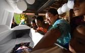 12月8日於邊境拘留所中死亡的女孩,遺體被送回了瓜地馬拉家鄉。 (圖源:AFP)