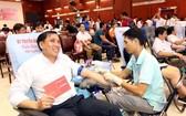 市民踴躍參加捐血活動。(圖源:越通社)