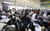 春節期間新山一國際機場擠滿乘客。