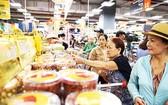 """河內昇龍BigC超市銷售""""每鄉一產品""""特產。"""