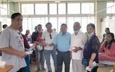 福慧慈善組昨(10)日組團一行8人前往市大水鑊醫院探訪貧困病人及派發紅包。