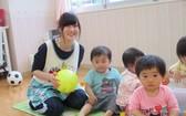 日本通過幼兒教育免費法案。圖為日本埼玉縣虹之星幼兒園裡的兒童。(圖源:互聯網)