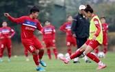 越南女足隊訓練中。(圖源:互聯網)