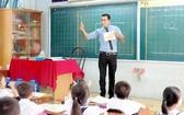 市人委會:鼓勵從一年級起教英語。(示意圖源:互聯網)