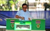 泰總理巴育在曼谷一個投票站投票。(圖源:新華社)
