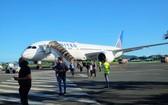 美聯航波音787客機傳駕駛艙冒煙,緊急轉降新喀里多尼亞。(圖源:推特)