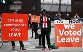"""英國倫敦留歐派和""""脫歐""""派示威者集會抗議。(圖源:路透社)"""
