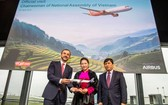 國會主席阮氏金銀見證A321neo飛機移交儀式。(圖源:Airbus)