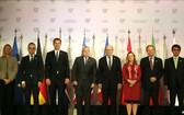 出席七國集團外長會議的各國部長4月5日在法國合影。(圖源:互聯網)