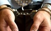 侵吞財產監獄管教被捕