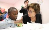 法國政府將在今年出資600萬歐元,支持學校提供免費早餐計劃。(圖片來源:法國教育部長布朗蓋個人推特)