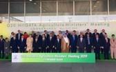 二十國集團(G20)農業部長會議在日本新舄召開。圖為各國代表在會議前一同合影。