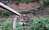 車子墜落約30米的深淵。(圖源:清黎)
