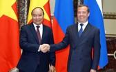阮春福總理會見俄羅斯總理梅德韋傑夫。(圖源:越通社)